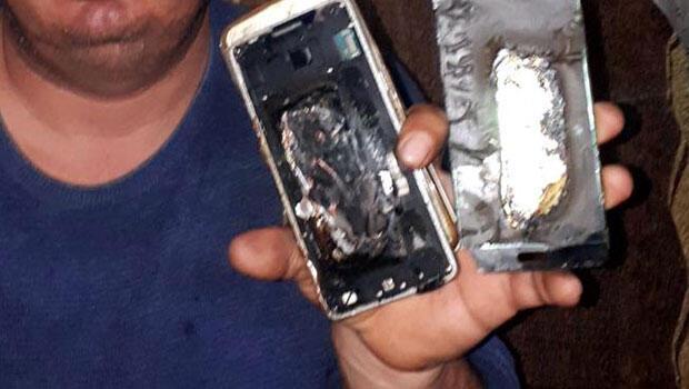 Cep telefonu bomba gibi patladı