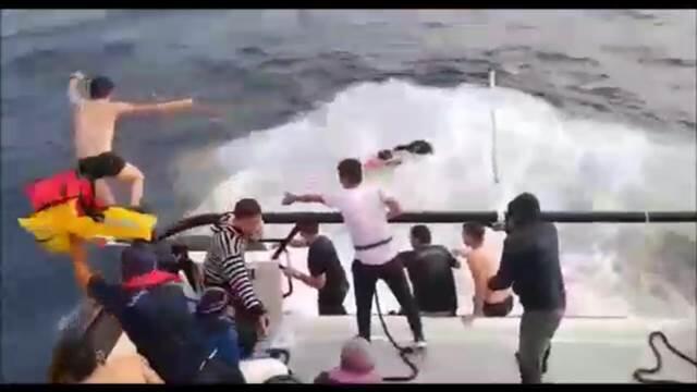 Mehmetçik Edirne'de 39 kaçak göçmeni kurtardı