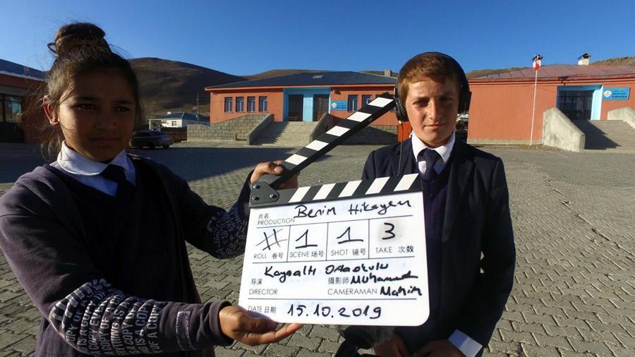 Köy çocuklarına kamera eğitimi