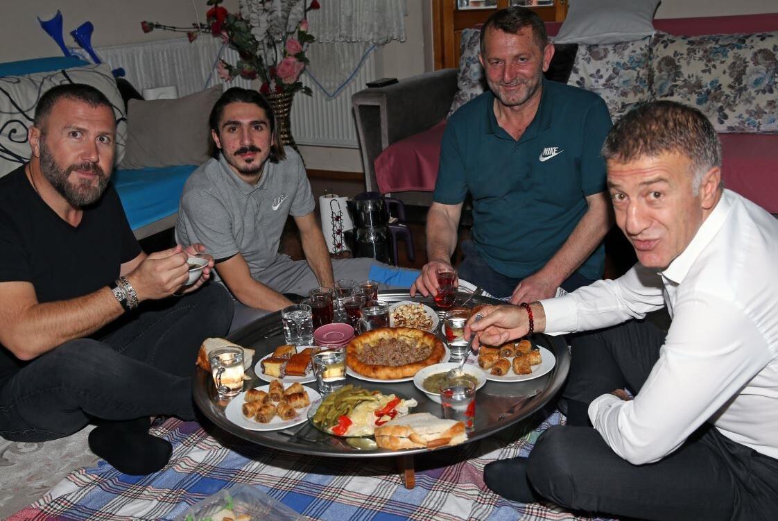 Ahmet Ağaoğlu'ndan Abdülkadir Ömür'e ev ziyareti!