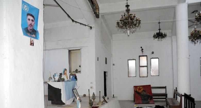 PKK/YPG, Tel Abyad'daki kiliseyi karargah olarak kullanmış