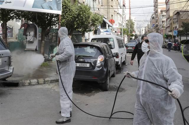 Lübnan'da Corona Virüs nedeniyle camilerde namazlar askıya alındı 1