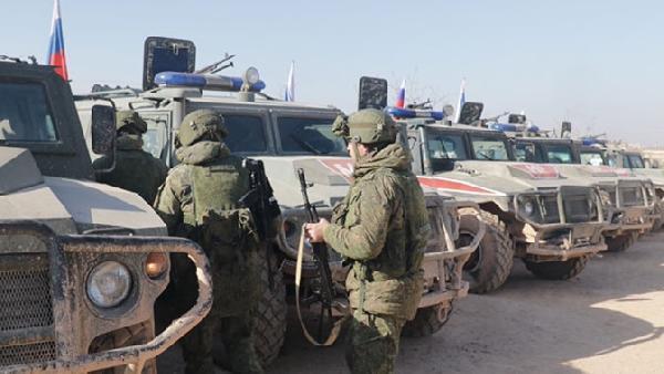 Son dakika haberi... İdlib'de Türk - Rus ortak devriyesi başladı 1