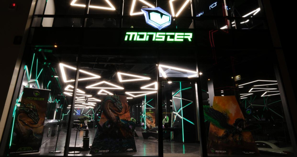 Monster Notebook, tüm mağazalarını muvakkat vadeyle kapatıyor 1