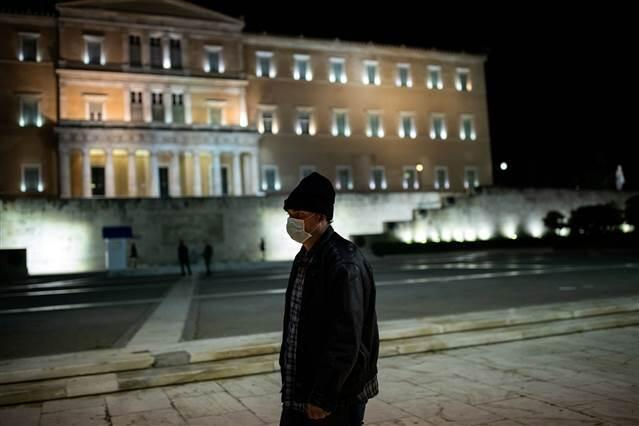 Yunanistan Türkiye ve İngiltere'den gelecek uçuşları durduracak 1