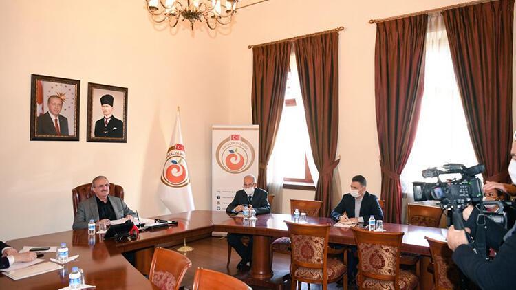 Antalya Valisi Karaloğlu: Vatandaşımızın otokontrol yapması lazım