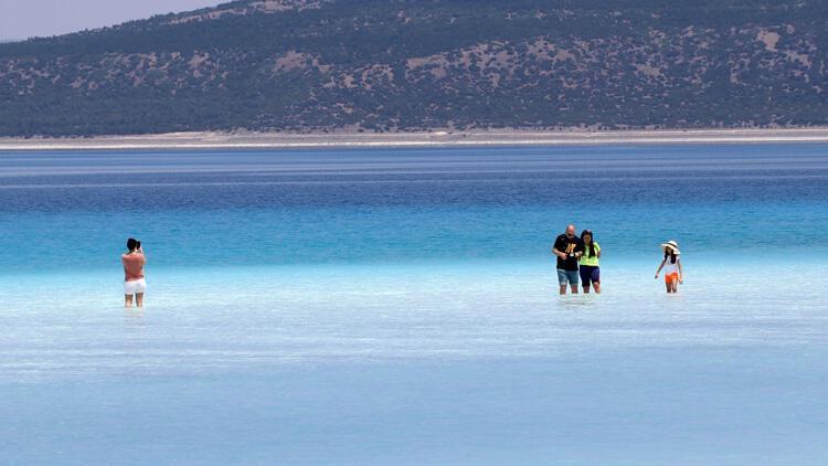 Vali Arslantaş: 'Salda Gölü'müzdeki su içilebilir' dedi..