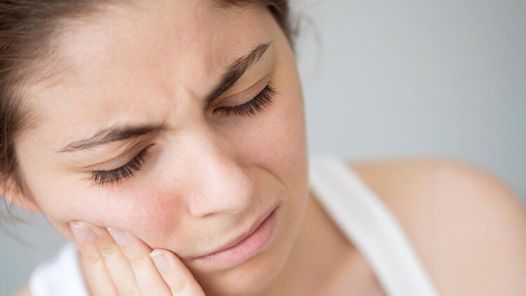 COVİD-19 hastalığı diş kaybına neden olabilir mi?