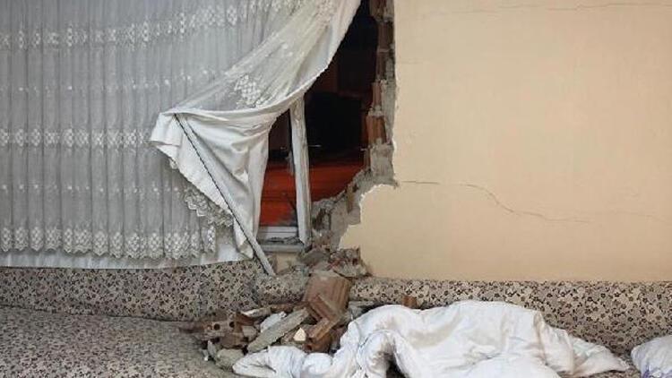 Uyurken duvar üstüne yıkıldı! Hayatının şokunu yaşadı