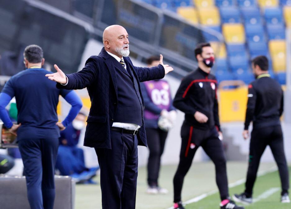 Έξοδος UEFA από το Hikmet Karaman!  «Αφήστε τους να απαντήσουν πρώτα …»