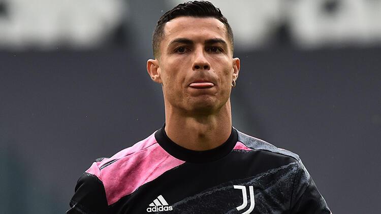 Portekizli Yıldız Cristiano Ronaldo Tarihe Imzasını 2 Rekorla Kazıdı.
