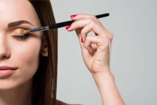 Göz Farı Sürerken Yapılan 6 Hata