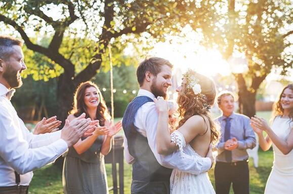Düğününüzde Konuklara Teşekkür Etmenin 4 Yolu