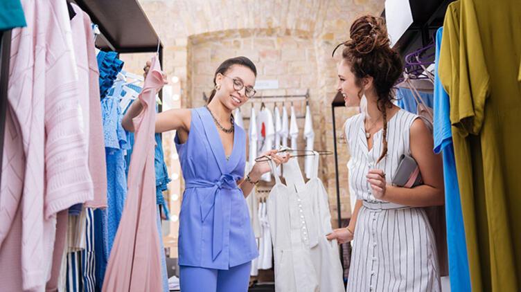 'Kadınların En Büyük Stil Hatası Yalnızca Moda Olanı Tercih Etmeleri'