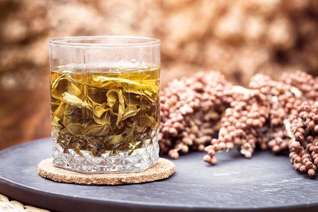 İltihaplara, yaralara, ağrılara iyi geliyor! Çayını gargara yaparsanız…