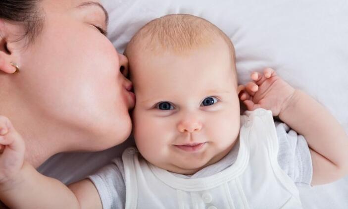 Aile hekimleri yeni anneleri bilgilendiriyor