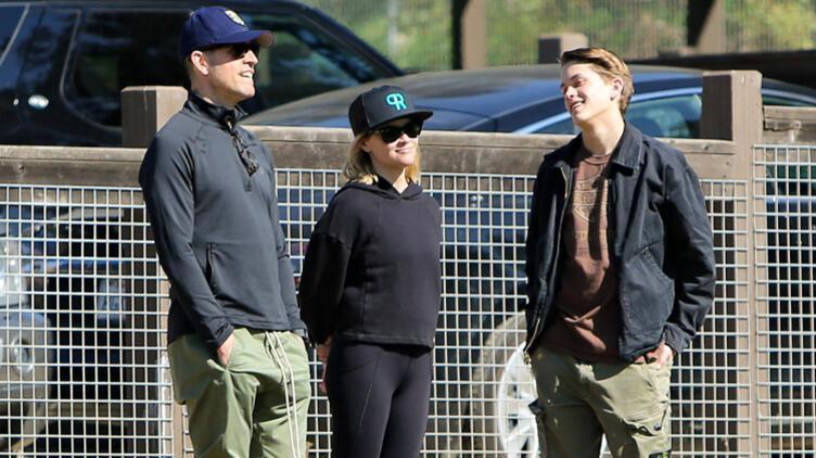 Reese Witherspoon'un Oğlu Deacon İlk Single'ını Yayınladı