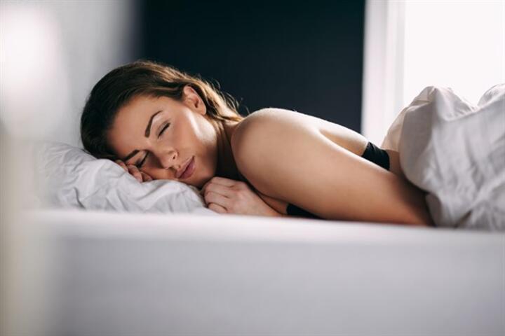 Cinsel İçerikli Rüyalarınızın Sebebi Uyku Pozisyonunuz Olabilir