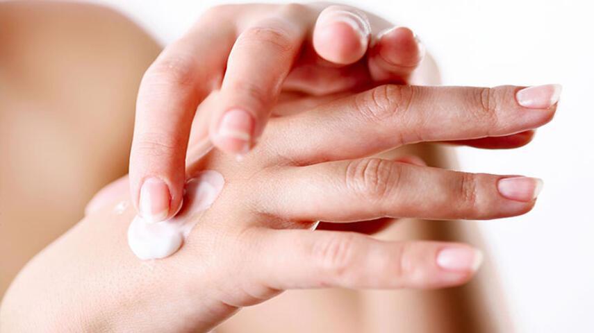 Yaşlı Görünen Ellere Karşı Kök Hücre