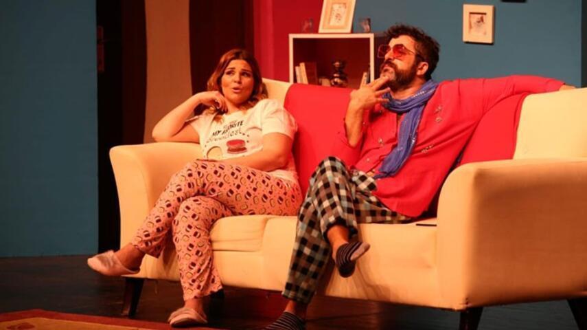 """""""Seni Unutmak İstemedim ki"""" Tiyatro Oyunu İzmir'de Sahnede!"""