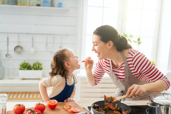Yemek seçen çocuğa doğru yaklaşım için 5 harika öneri