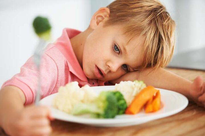 İştahsız çocuklara nasıl yemek yedirilmeli?