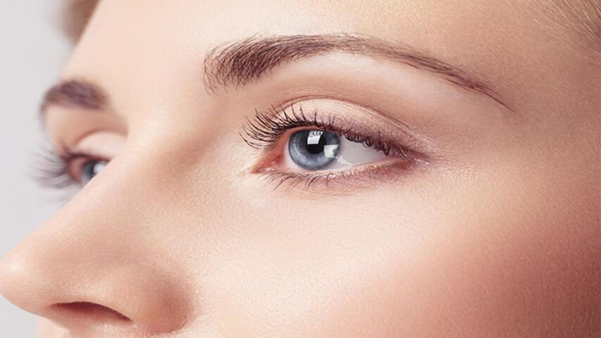 Güneş ışınları renkli gözlüleri daha fazla etkiliyor