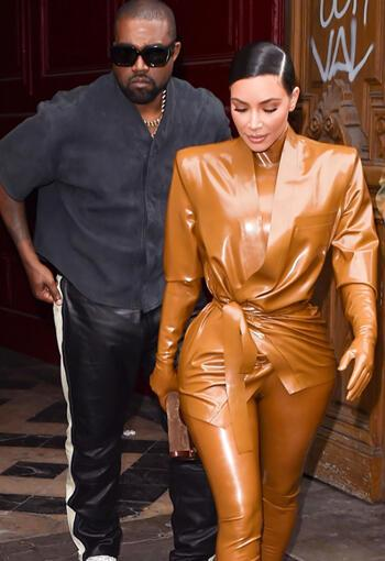 Tepeden Tırnağa Lateks: Kim Kardashian