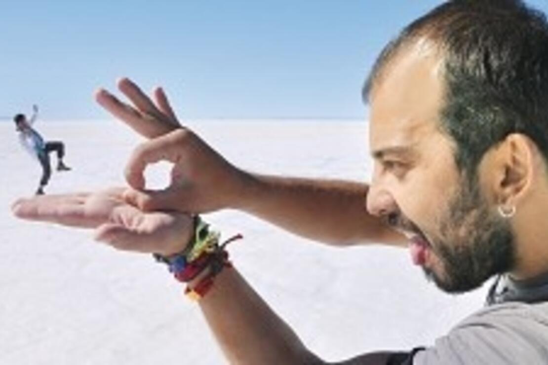 Tuz gölünde yer ve gök aynı renkti, sanki uçuyordum