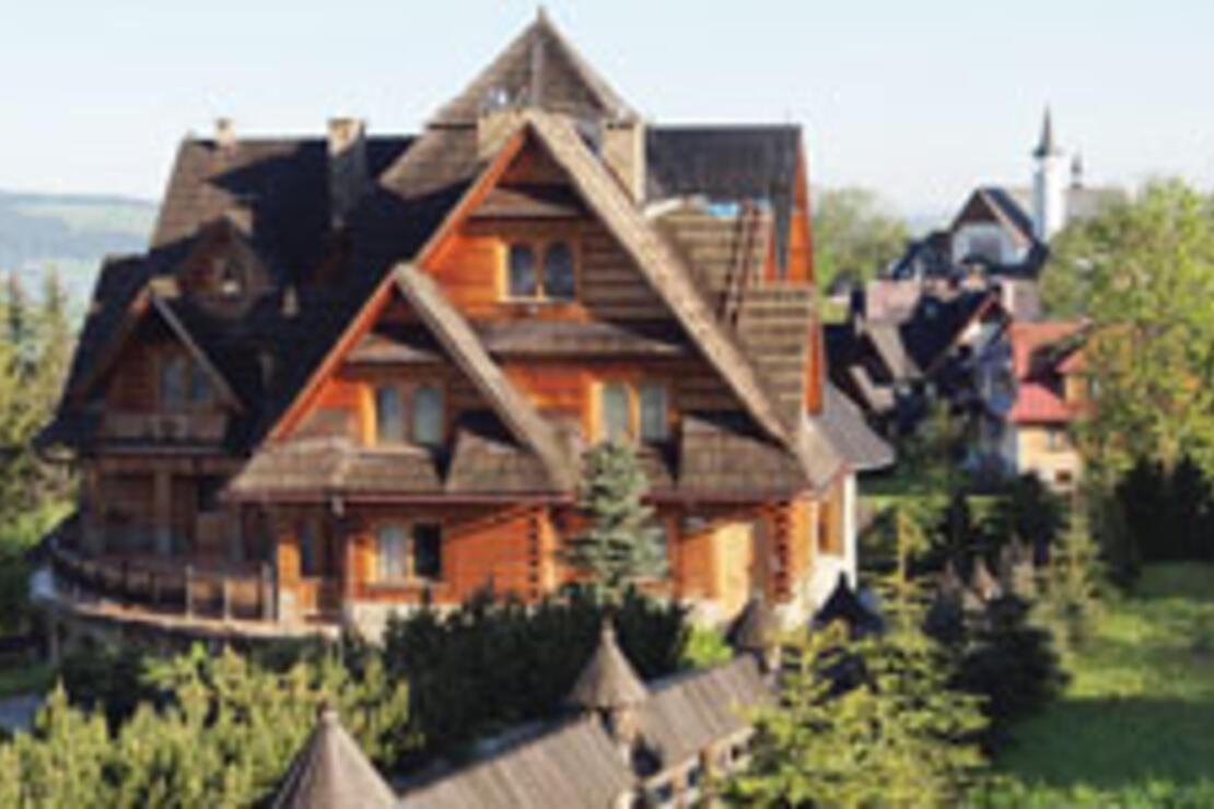 Karpatlar'daki Zakopane masallardan fırlamış dağ kasabası gibiydi