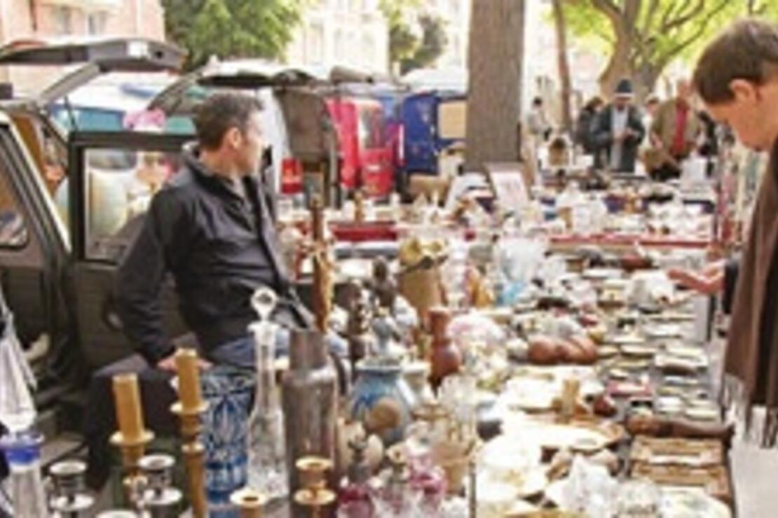 Paris ve Amsterdam'ın bit pazarları antika avcılarının gözdesi