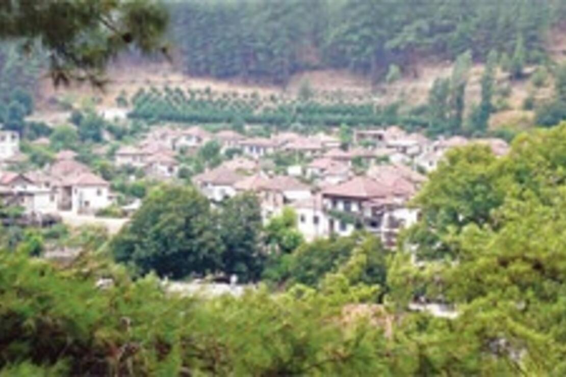Bey Dağları'nın günü yaşayan Tahtacı köyü