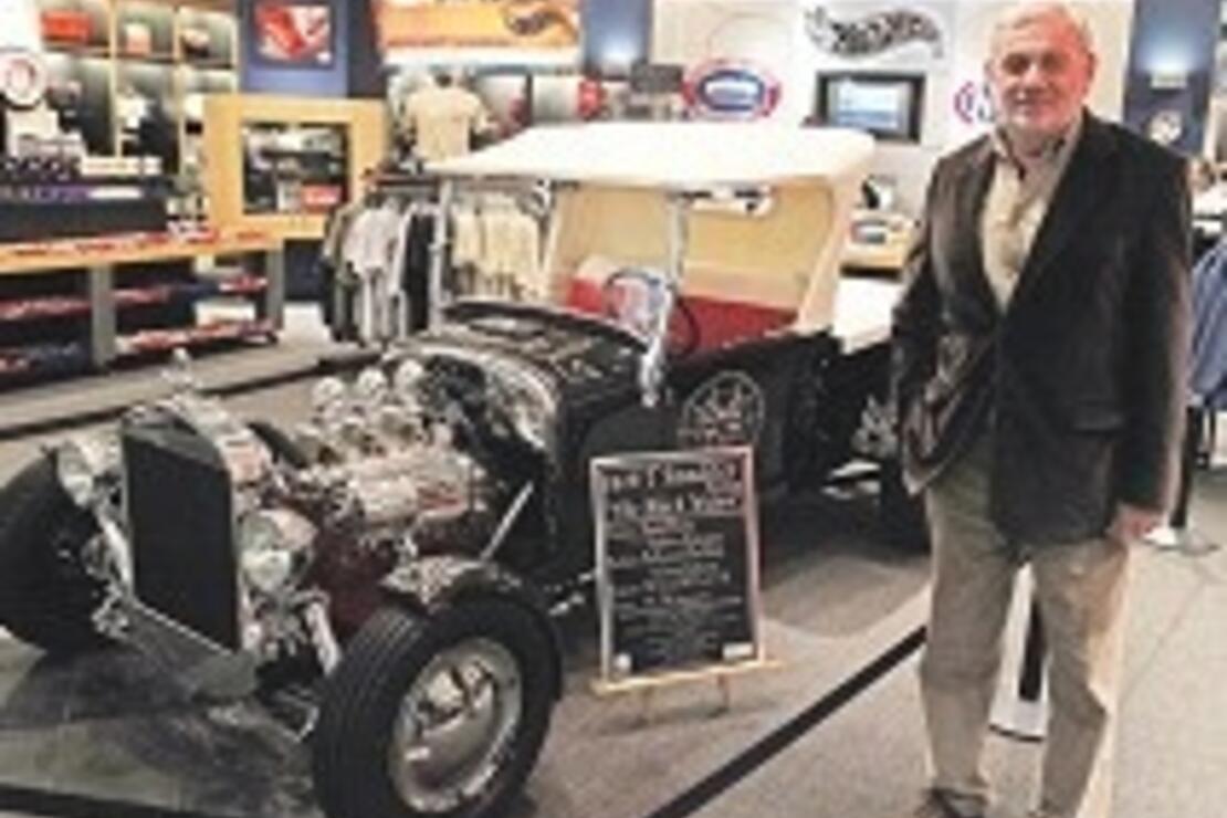Melekler Şehri'nde dünyanın en büyük otomobil müzesi
