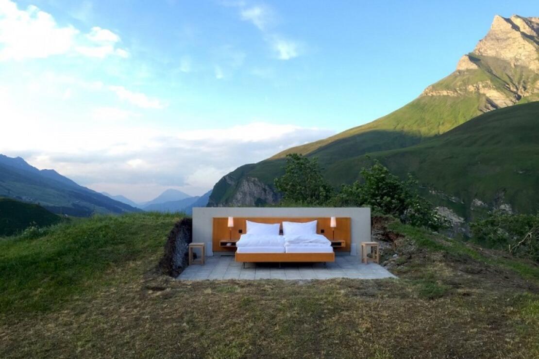 İsviçre'de duvarları ve tavanı olmayan otel: Null Stern