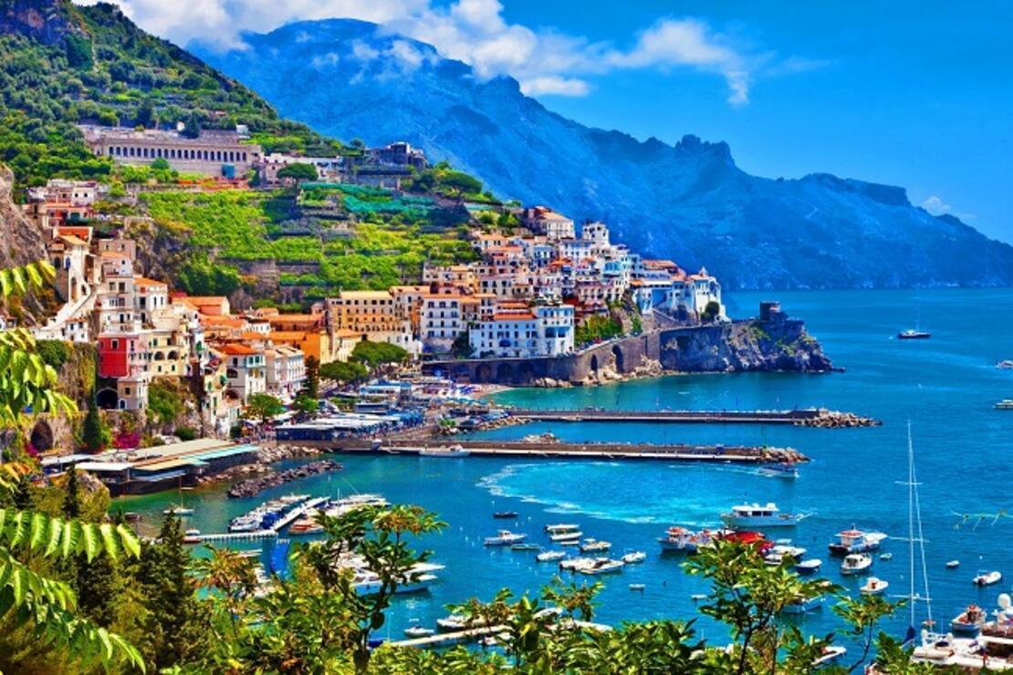 Yamaçların üzerinde bir kasaba: Amalfi