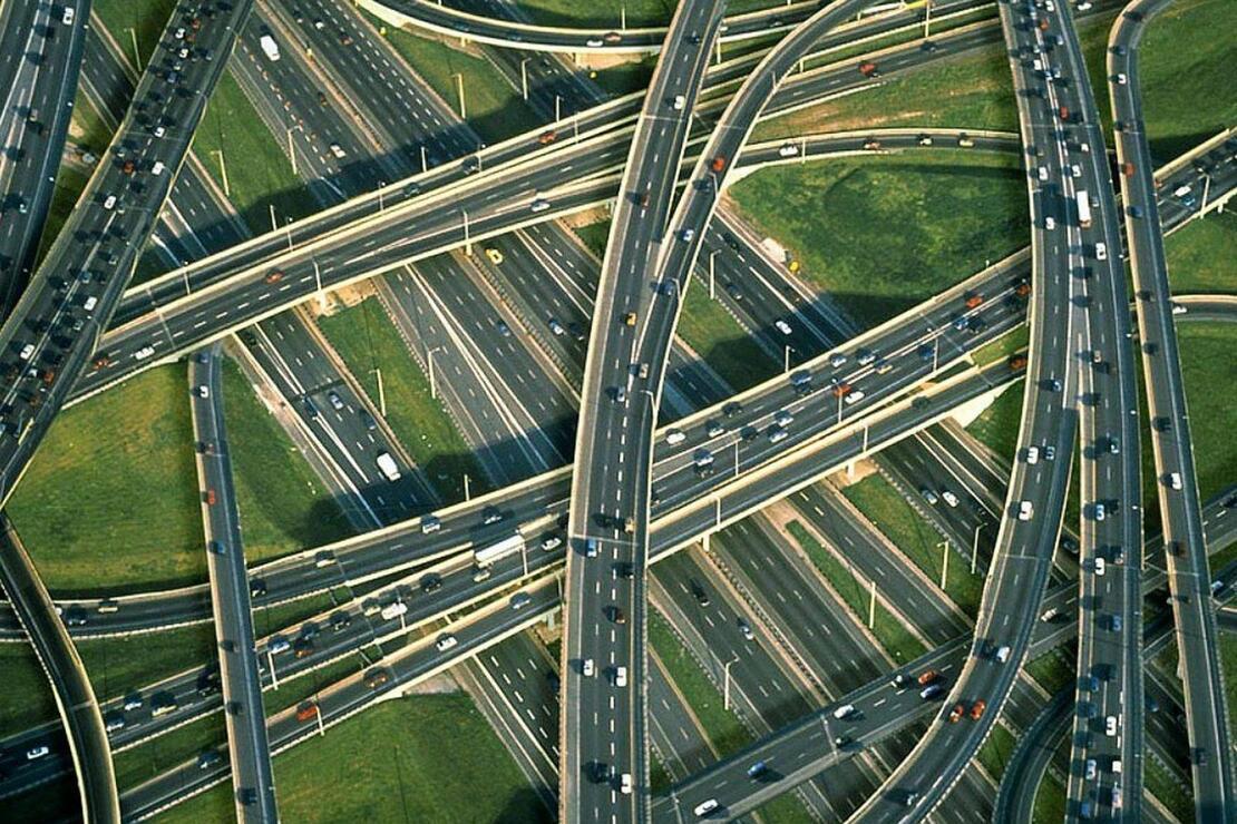 Araba yolculuğu sevenler için dünyanın en nefes kesici yolları