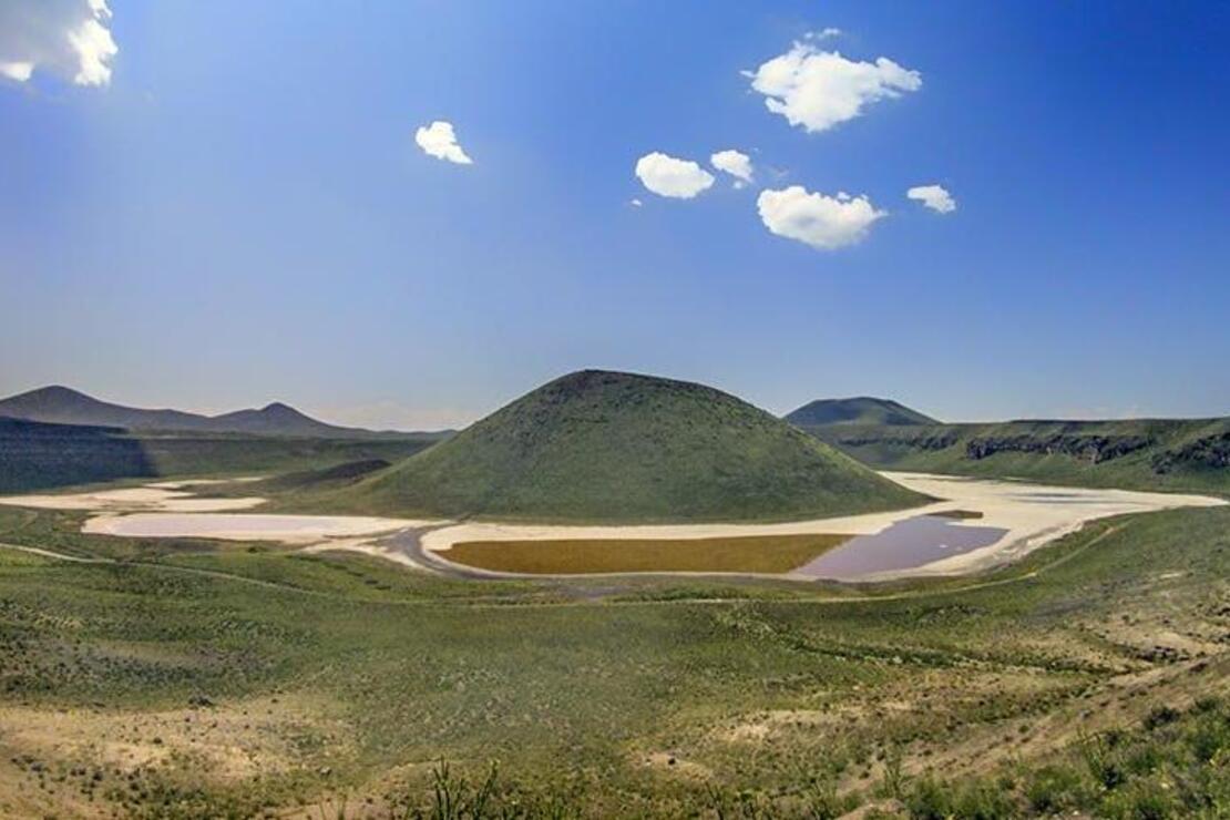 'Dünyanın nazar boncuğu' Meke Gölükurudu