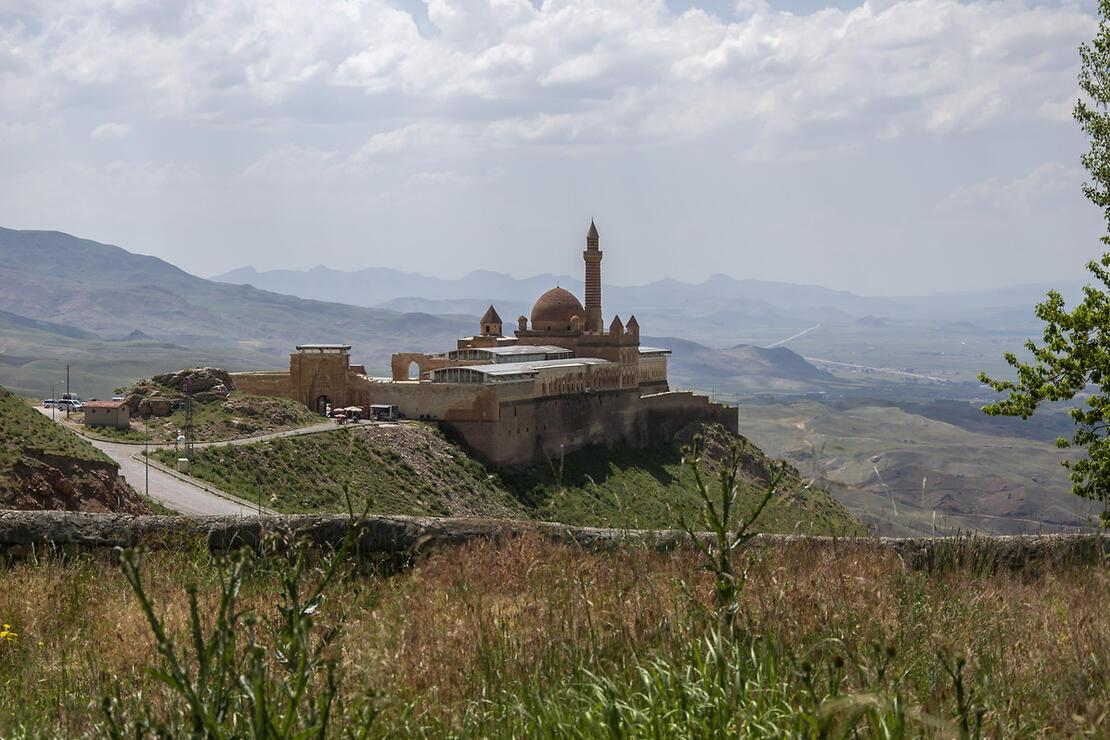 Doğu Anadolu'nun masalsı İshak Paşa Sarayı