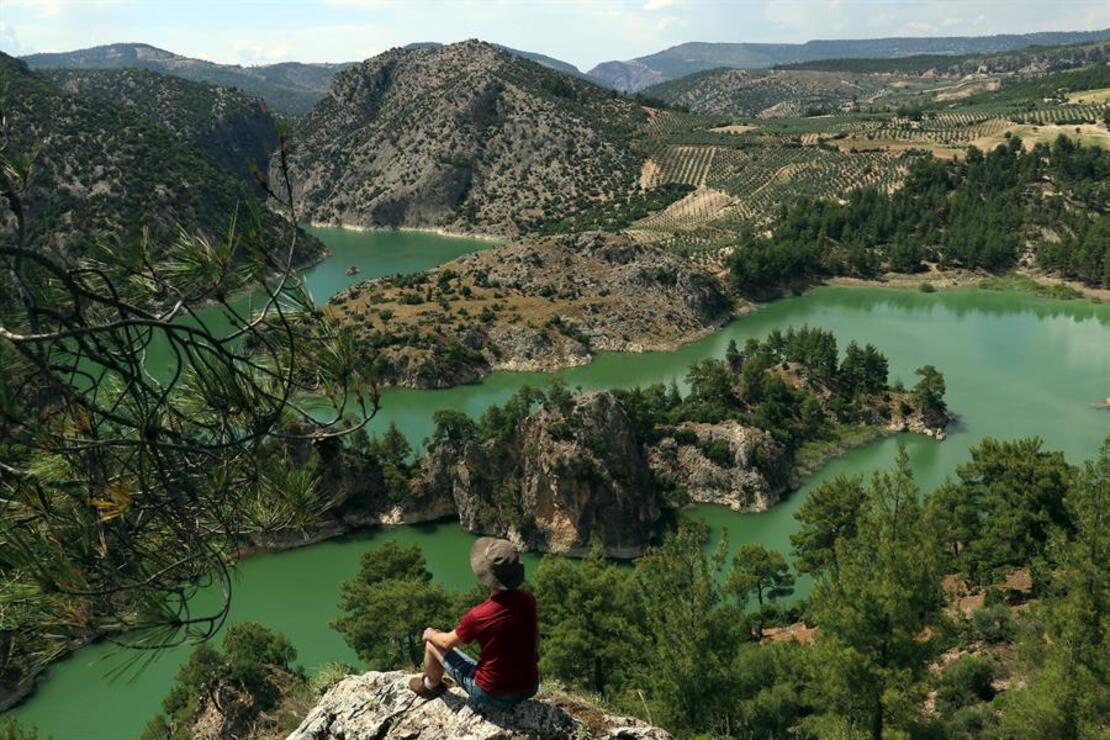 Üç ilin sınırındaki kanyon ziyaretçilerini büyülüyor