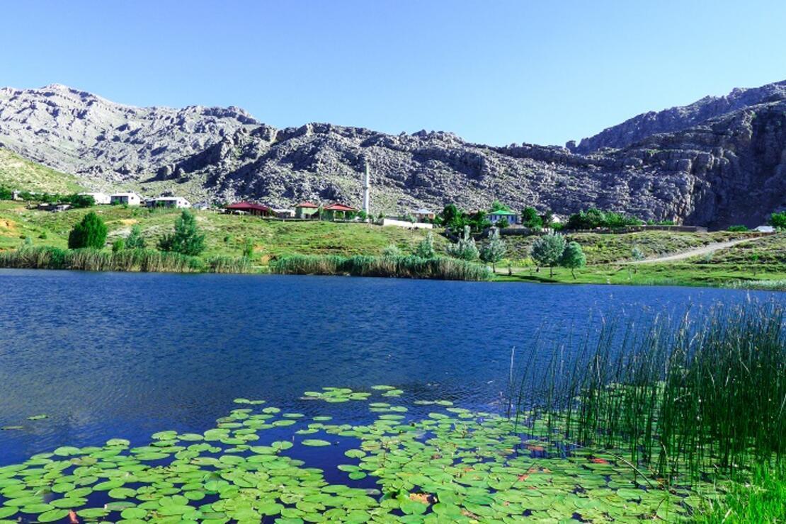 Toroslar'ın incisi Dipsiz Göl doğaseverlerin gözdesi
