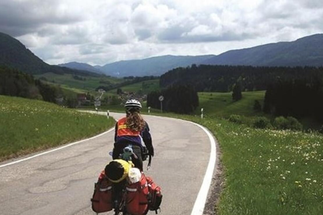 Alman hemşire bisikletiyle dünya turunda