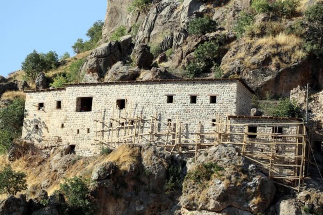 400 yıllık taş evler, butik otele dönüştürülüyor