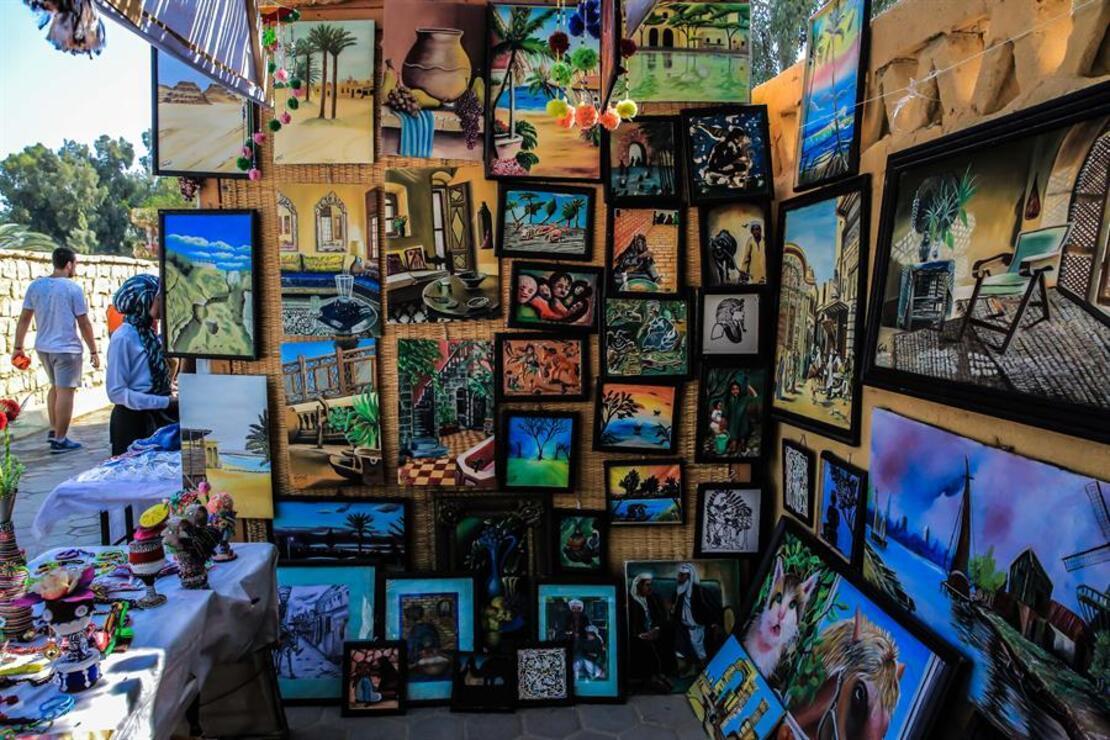 Mısır'ın sanat köyü turistlerden büyük ilgi görüyor