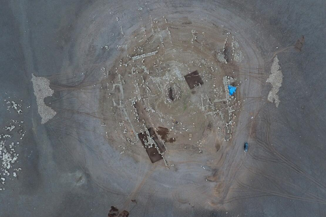 Suların çekilmesiyle ortaya çıktı! 12 bin yıllık olduğu belirlendi...