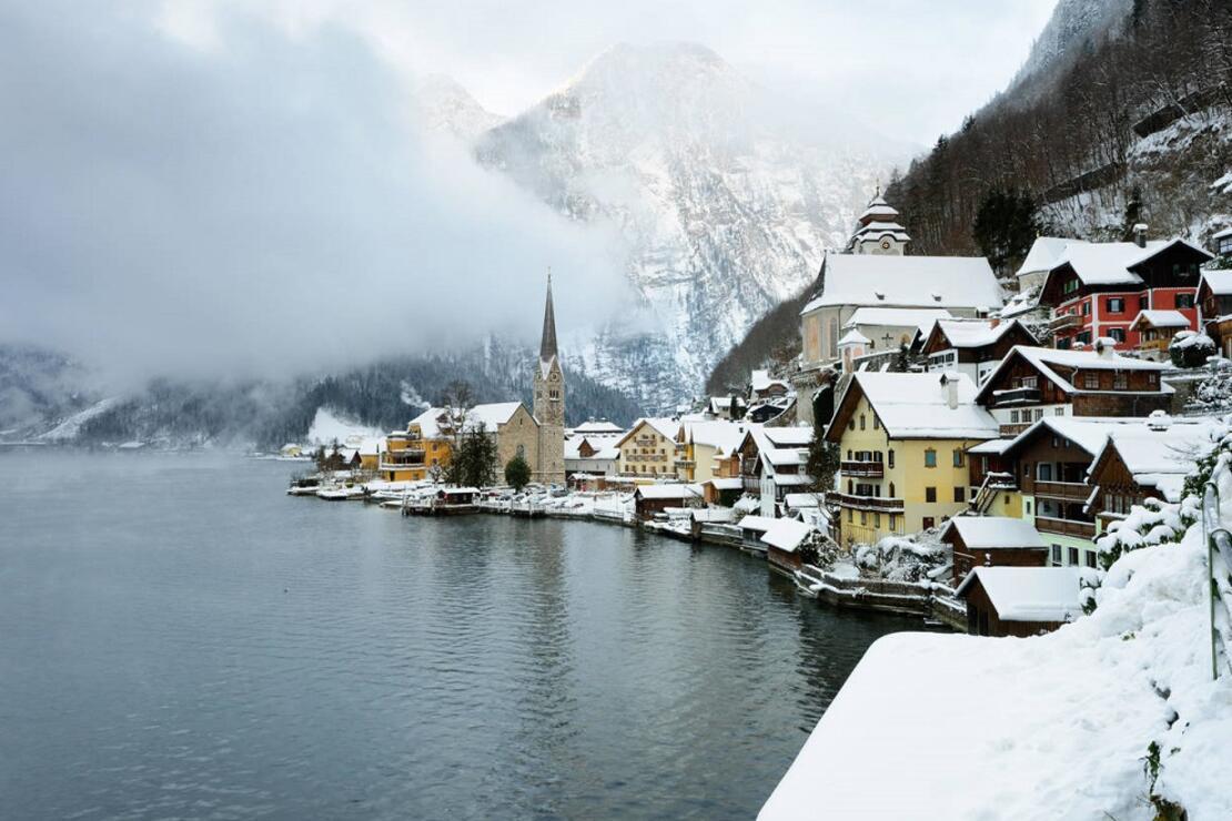 Kışın en popüler kasabasında turistlere uyarı! 'Buradan uzak durun!'
