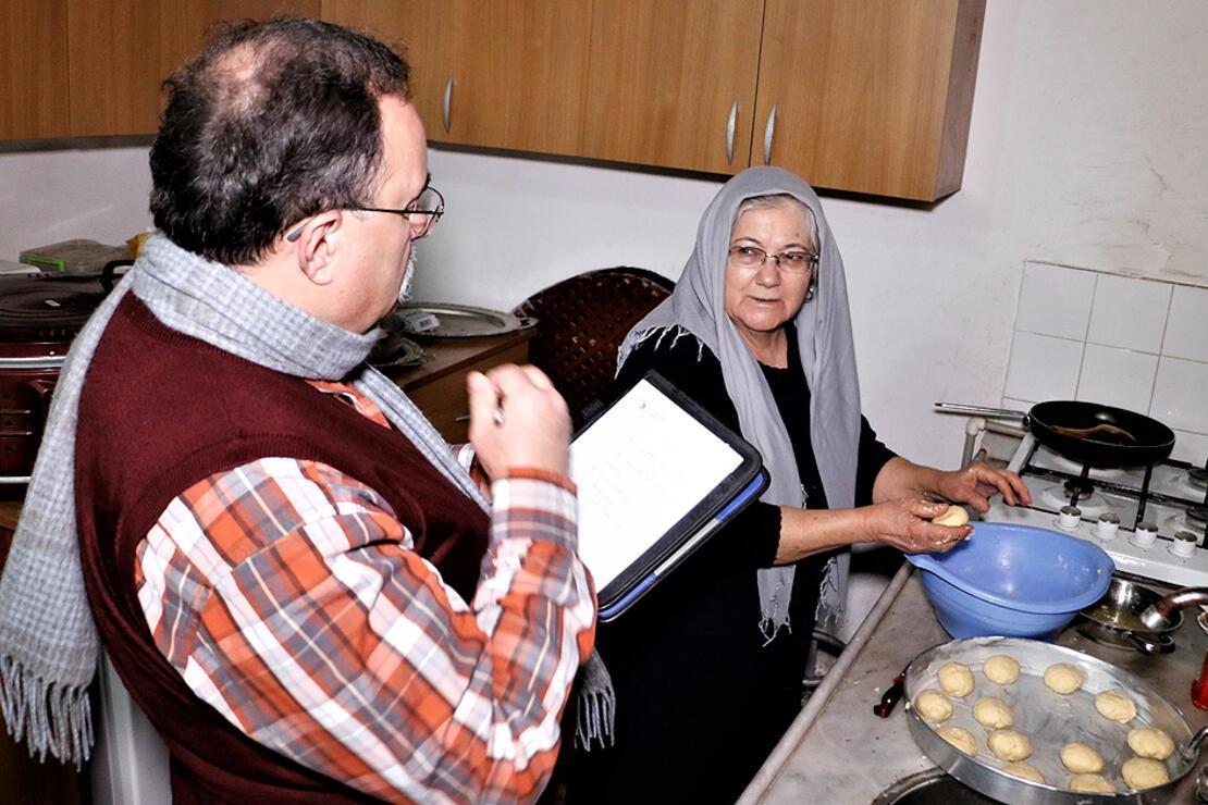 Tarihçi profesör peynir tatlıları için Anadolu'yu karış karış geziyor