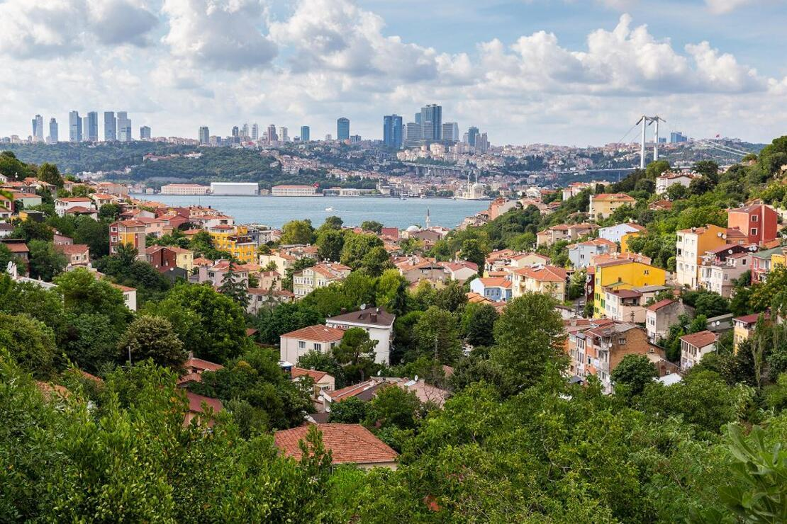 Kozmopolit İstanbul'un nostaljik semti: Kuzguncuk