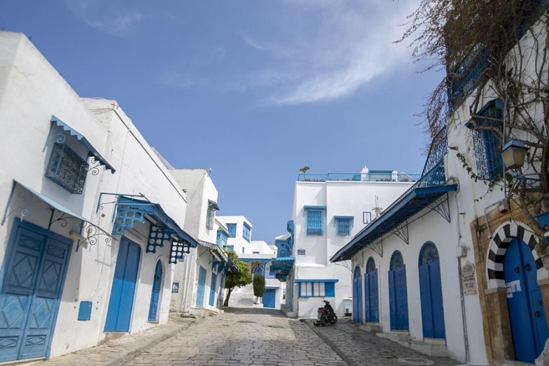 Sidi Bu Said koronavirüs nedeniyle 'hayalet kasaba'ya döndü
