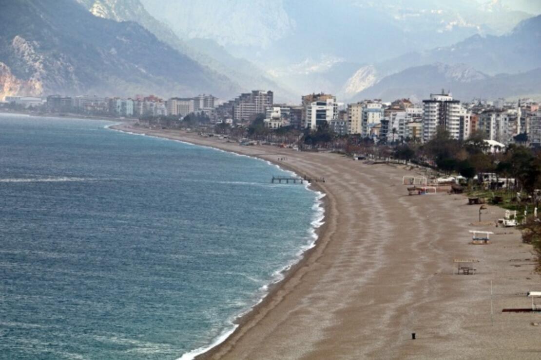Dünyaca ünlü sahil ıssız kaldı