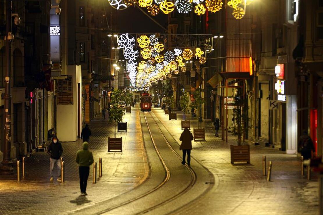 İstanbul'un tarihi ve turistik mekanları koronavirüs nedeniyle sakin
